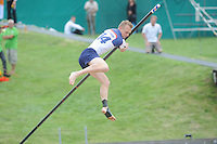 FIERLJEPPEN: WINSUM: 10-08-2013, Fries kampioenschap Fierljeppen, ©foto Martin de Jong