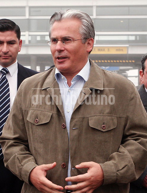 El juez español, Baltasar Garzón quien en 1998 logro arrestar en Londres al  ex dictador chileno  Augusto Pinochet, a su llegada al aeropuerto de Santiago para participar en relacionadas con los derechos humanos.*Spanish judge Baltasar Garzon, who arrested in London in 1998  former Chilean dictator general Augusto Pinoche, arrives to Santiago aiport to participate of activities linked with human rights defense.