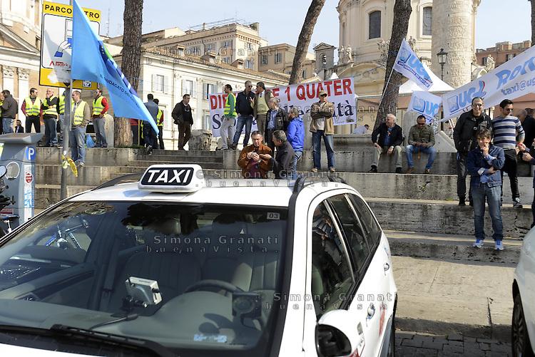 Roma, 20 Marzo 2014<br /> Piazza Venezia<br /> Tassisti e autisti NCC protestano contro l'abusivismo e in difesa della legge 21/92 per la legalit&agrave;.