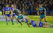 2nd February 2019, Halliwell Jones Stadium, Warrington, England; Betfred Super League rugby, Warrington Wolves versus Leeds Rhinos; Jack Walker escapes the clutches of Jason Clark