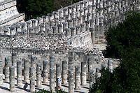 Templo de los Guerreros y de las 1000 Columnas.<br /> Zona arqueologica de Chichen Itza Zona arqueol&oacute;gica  <br /> Chich&eacute;n Itz&aacute;Chich&eacute;n Itz&aacute; maya: (Chich&eacute;n) Boca del pozo; <br /> de los (Itz&aacute;) brujos de agua. <br /> Es uno de los principales sitios arqueol&oacute;gicos de la <br /> pen&iacute;nsula de Yucat&aacute;n, en M&eacute;xico, ubicado en el municipio de Tinum.<br /> <br /> * No * sale * a * third *<br /> <br /> <br /> *Photo:&copy;Francisco* Morales/DAMMPHOTO.COM/NORTEPHOTO
