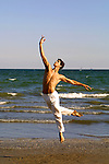 2001,  58esima Mostra Internazionale  d'Arte Cinematografica di Venezia, 58th Venice International Film Festival, Roberto Bolle danza sulla spiaggia dell'Hotel Excelsior, Roberto Bolle dancing in front of Excelsior Hotel