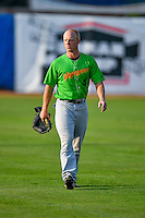 Casey Schroeder (4) of the Great Falls Voyagers walks onto the field before the game against the Ogden Raptors in Pioneer League action at Lindquist Field on August 18, 2016 in Ogden, Utah. Ogden defeated Great Falls 10-6. (Stephen Smith/Four Seam Images)