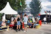 Nederland Amsterdam 2017. Kwaku Festival.  Foto mag niet in negatieve context gebruikt worden.  Het Kwaku Summer Festival (voorheen het Kwakoe Zomerfestival) wordt sinds 1975 elk jaar tijdens een aantal weekeinden in de zomer gehouden in het Nelson Mandelapark in Amsterdam-Zuidoost. Het is van origine een Surinaams festival, maar ontwikkelde zich de laatste jaren tot een multicultureel festival. Foto Berlinda van Dam / Hollandse Hoogte