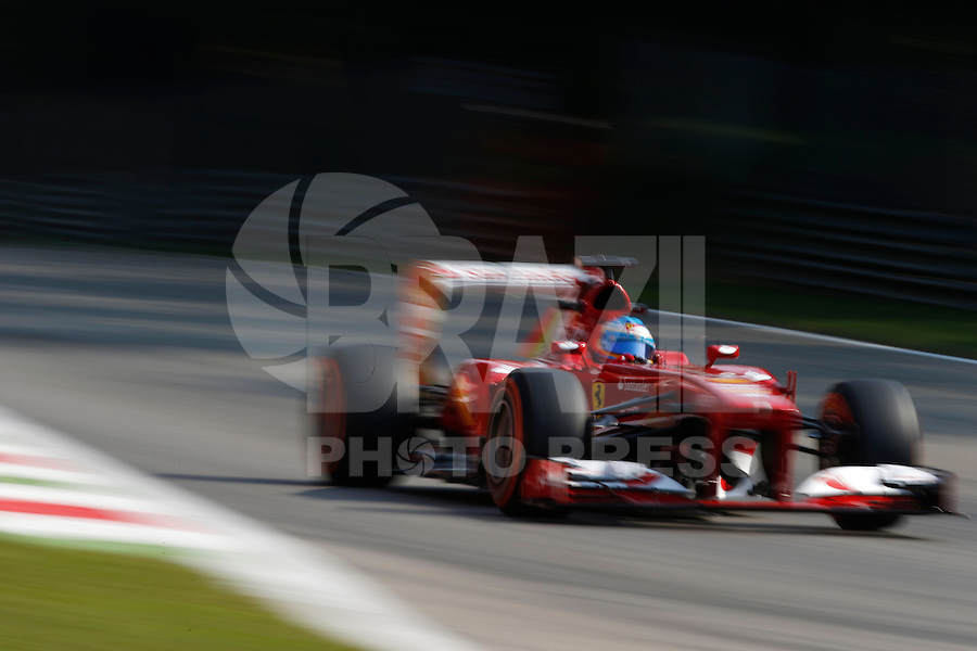MONZA, ITALIA, 06.09.2013 - F1 - GP DE MONZA - TREINO LIVRE -  O piloto espanhol Fernando Alonso da equipe Ferrari durante o primeiro treino livre do GP da Itália de Fórmula 1, nesta sexta-feira(06), no circuito de Monza. A prova será realizada no próximo domingo (Foto: Pixathlon / Brazil Photo Press).