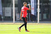 Mijat Gacinovic (Eintracht Frankfurt) verlässt das Training vorzeitig - 05.09.2018: Eintracht Frankfurt Training, Commerzbank Arena, DISCLAIMER: DFL regulations prohibit any use of photographs as image sequences and/or quasi-video.