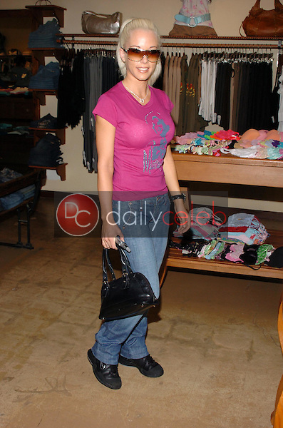 Kendra Wilkinson<br />