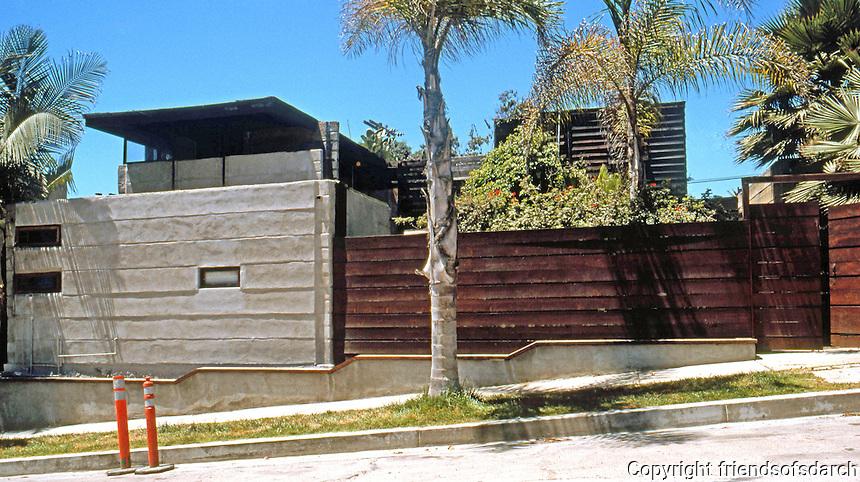 Rudolph Schindler: El Pueblo Ribera Apartments, Gravilla St., La Jolla 1923-24. Photo '97.