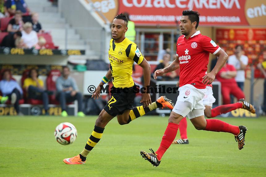 Pierre Emerick Aubameyang (BVB) setzt sich durch  - 1. FSV Mainz 05 vs. Borussia Dortmund, Coface Arena