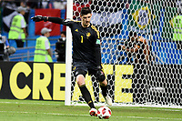 KAZAN - RUSIA, 06-07-2018: Thibaut COURTOIS (GK) arquero de Bélgica en acción durante partido de cuartos de final entre Brasil y Bélgica por la Copa Mundial de la FIFA Rusia 2018 jugado en el estadio Kazan Arena en Kazán, Rusia. / Thibaut COURTOIS (GK), goalkeeper of Belgium, in action during the match between Brazil and Belgium of quarter final for the FIFA World Cup Russia 2018 played at Kazan Arena stadium in Kazan, Russia. Photo: VizzorImage / Julian Medina / Cont