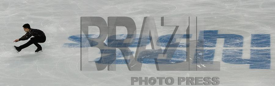 SOCHI, RUSSIA, 06.02.2014 - JOGOS OLIMPICOS DE INVERNO / SOCHI 2014 / PATINACAO ARTISTICA -  Patrick Chan do Canada urante apresentação na competição de Patinacao Artistica solo masculina nas Olimpiadas de Inverno na Valtins Arena em Sochi na Russia, nesta quinta-feira, 06. (Foto: Malte Christians / Brazil Photo Press).