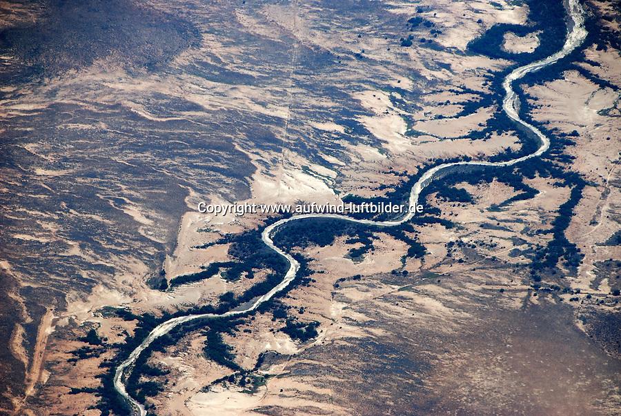 Karoo: AFRIKA, SUEDAFRIKA, ORANGE FREE STATE, GARIEPDAM, 22.12.2007: Landschaft in der Halbwueste Karoo, zentralen Hochebene des Landes Suedafrika, Highveld, Klein Karoo, Gross Karoo und Ober Karoo. Klima arid, trocken, im Luv der Berge, kaum Niederschlaege. Bewohner sind die San die dem Land den Namen Kuru geben, trocken ist die Bedeutung , Afrika, Suedafrika, Orange Free, State, Gariepdam, Wueste, Landschaft, Natur, Hochebene, Halbwueste, Wuestenlandschaft, Berg, Berge, Berglandschaft, Huegel, Huegellandschaft, Gebirge, trocken, Karoo, Struktur, Luftbild, Draufsicht, Luftaufnahme, Luftansicht, Luftblick, Flugaufnahme, Flugbild, Vogelperspektive # , shape, structure, texture, mound, hill, hillock, desert landscape, air opinion, Flugbild, Luftblick, ow_visum, mountain, Orange Free, semiarid land, top view, plan, Berglandschaft, Flugaufnahme, plateau, Gariepdam, bird 's-eye view, mountains, mountain range, shale, nature, Huegellandschaft, landscape, scene, scenery, desert, aerial photograph, africa, aridly, deadpan, drily, dry, dryly, south africa, air photo # # , shape, structure, texture, mound, hill, hillock, desert landscape, air opinion, Flugbild, Luftblick, ow_visum, mountain, Orange Free, semiarid land, top view, plan, Berglandschaft, Flugaufnahme, plateau, Gariepdam, bird 's-eye view, mountains, mountain range, shale, nature, Huegellandschaft, landscape, scene, scenery, desert, aerial photograph, africa, aridly, deadpan, drily, dry, dryly, south africa, air photo #  Aufwind-Luftbilder