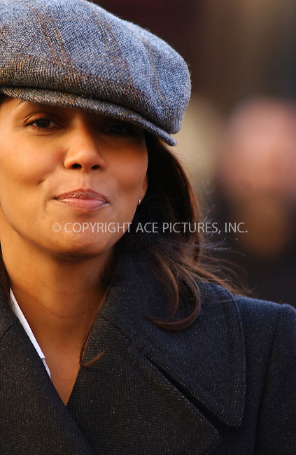 """WWW.ACEPIXS.COM . . . . .  ....March 23 2006, New york City....Actress Halle Berry was on the set of """"Perfect Stranger"""" in the Meatpacking District in Manhattan.....To the surprise of everyone she came over and laughed and joked with photographers.....Please byline: AJ Sokalner - ACEPIXS.COM..... *** ***..Ace Pictures, Inc:  ..Philip Vaughan (212) 243-8787 or (646) 769 0430..e-mail: info@acepixs.com..web: http://www.acepixs.com"""