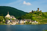 Deutschland, Rheinland-Pfalz, Moseltal, Beilstein an der Mosel mit Burg Metternich | Germany, Rhineland-Palatinate, Moselle Valley, Beilstein at river Moselle with castle Metternich