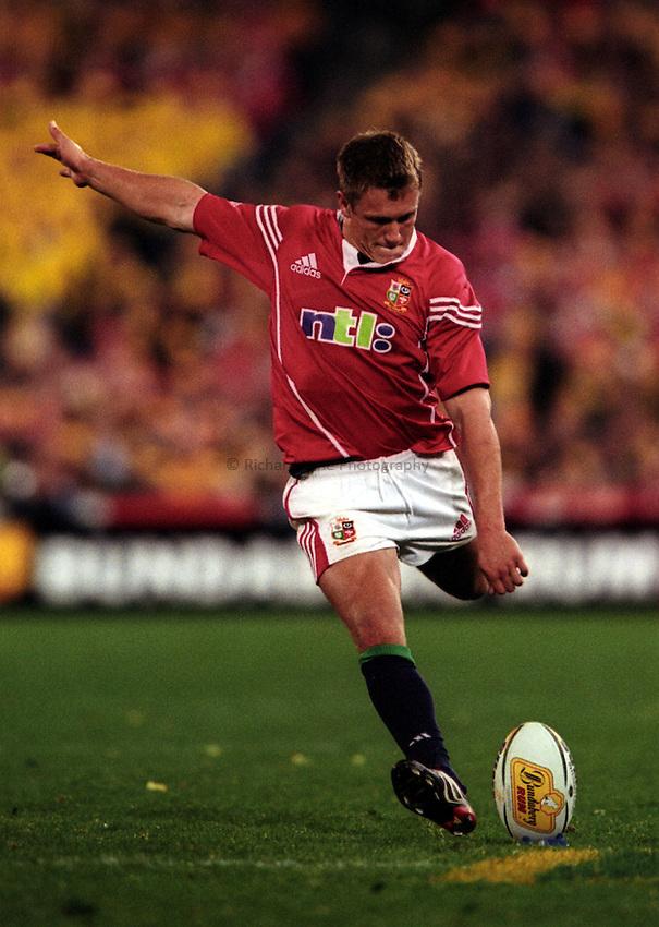 Photo. Richard Lane. .Australia v Bristish and Irish Lions. Lions Tour 2001 to Australia. Third Test at the Stadium Australia, Sydney, Australia. 14/7/2001..Jonny Wilkinson kicks..