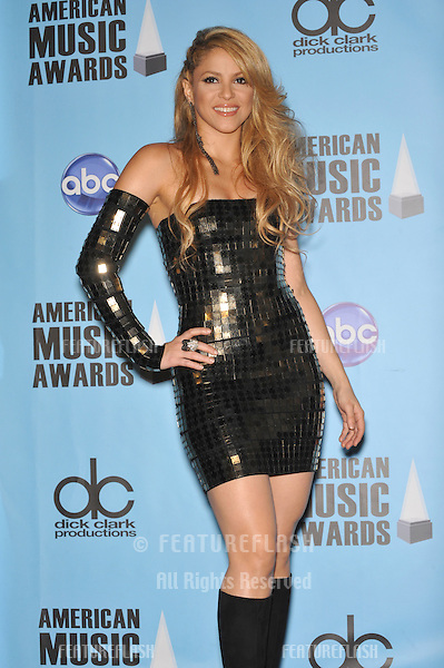Shakira in the press room for the 2009 American Music Awards at the Nokia Theatre L.A. Live..November 22, 2009  Los Angeles, CA.Picture: Paul Smith / Featureflash