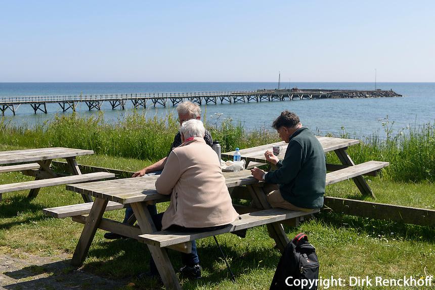 Seebr&uuml;cke von Arnager auf der Insel Bornholm, D&auml;nemark, Europa<br /> Arnager pier, Isle of Bornholm Denmark