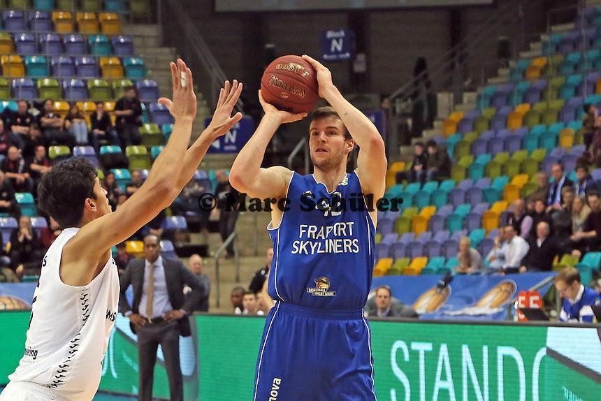 Dreier von Aaron Doornekamp (Skyliners) - Fraport Skyliners vs. Shooters Den Bosch, Fraport Arena Frankfurt