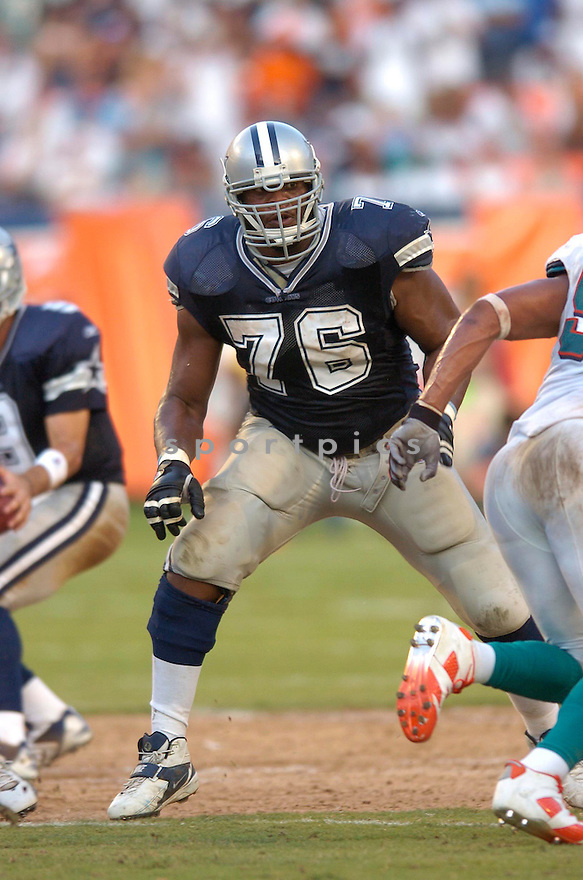 FLOZELL ADAMS, of the Dallas Cowboy, during the Cowboys game against the Miami Dolphins on September 16, 2007.  The Dallas Cowboys beat the Miami Dolphins 37-10....