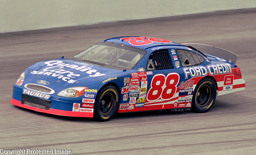 Dale Jarrett , Darlington, September 2000. (Photo by Brian Cleary)