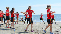 20180302 - LARNACA , CYPRUS : illustration picture shows a Muscular warm up training session on the beach with Lenie Onzia (middle) and Janice Cayman (r) before a women's soccer game between The Belgian Red Flames and Spain , on friday 2 March 2018 on the CTO Beach in Larnaca , Cyprus . The game will be the second game in group B for Belgium during the Cyprus Womens Cup , a prestigious women soccer tournament as a preparation on the World Cup 2019 qualification duels. PHOTO SPORTPIX.BE | DAVID CATRY