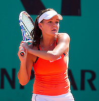 Agnieszka Radwanska (POL) (8) against Elena Baltacha (GBR) in the first round of the women's singles. Agnieszka Radwanska beat Elena Baltacha 6-0 7-5..Tennis - French Open - Day 2 - Mon 24 May 2010 - Roland Garros - Paris - France..© FREY - AMN Images, 1st Floor, Barry House, 20-22 Worple Road, London. SW19 4DH - Tel: +44 (0) 208 947 0117 - contact@advantagemedianet.com - www.photoshelter.com/c/amnimages