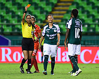 PALMIRA - COLOMBIA, 03-08-2019: Danna Victorino, arbitro, muestra la tarjeta roja a Darnelly Quintero del Cali durante partido entre Deportivo Cali y Cortuluá por la fecha 4 de la Liga Femenina Águila 2019 jugado en el estadio Deportivo Cali de la ciudad de Palmira. / Danna Victorino, referee, shows the red card to Darnelly Quintero of Cali during match between Deportivo Cali and Cortulua for the date 4 as part Aguila Women League 2019 played at Deportivo Cali stadium in Palmira city. Photo: VizzorImage / Nelson Rios / Cont