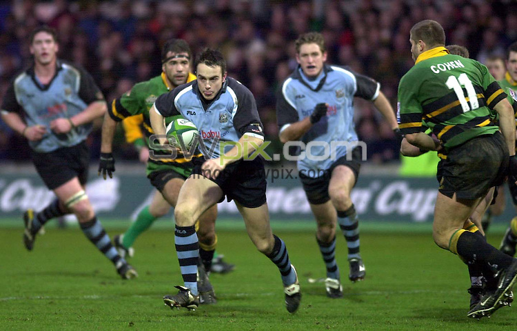 Pix: Matthew Lewis/SWpix.com. Rugby Union. Heineken Cup. Round Three. Northampton v Cardiff. 07/12/2002...COPYWRIGHT PICTURE>>SIMON WILKINSON>>01943 436649>>..Cardiff's Rhys Williams breaks through the Northampton defence to score a try.
