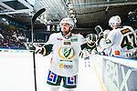 Stockholm 2014-01-18 Ishockey SHL AIK - F&auml;rjestads BK :  <br /> F&auml;rjestads Milan Gulas gratuleras av lagkamrater efter att ha passat fram till F&auml;rjestads Martin R&ouml;ymark 3-2 m&aring;l<br /> (Foto: Kenta J&ouml;nsson) Nyckelord:  jubel gl&auml;dje lycka glad happy