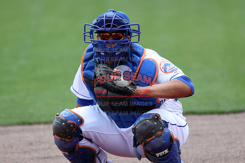 St. Lucie Mets catcher Francisco Pena #17 during a game against the Jupiter Hammerheads at Digital Domain Park on May 2, 2012 in Port St. Lucie, Florida.  St. Lucie defeated Jupiter 3-2.  (Mike Janes/Four Seam Images)