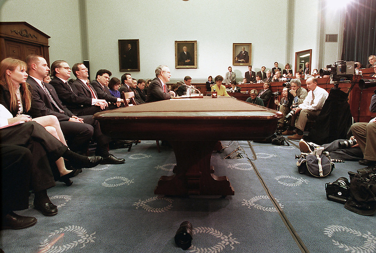 11/19/98.IMPEACHMENT HEARING- Independent Counsel Kenneth Starr makes his opening statement before the House Judiciary Committee regarding articles of impeachment against President Bill Clinton..CONGRESSIONAL QUARTERLY PHOTO BY SCOTT J. FERRELL