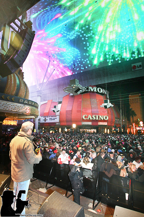 Tribute Palooza on Fremont Street New Years Eve 2010, countdown with Las Vegas Mayor Oscar B Goodman