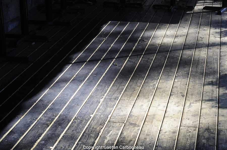 Montreal empty terrasse