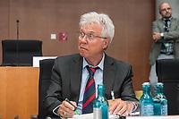 10. Sitzung des &quot;1. Untersuchungsausschuss&quot; der 19. Legislaturperiode des Deutschen Bundestag am Donnerstag den 17. Mai 2018 zur Aufklaerung des Terroranschlag durch den islamistischen Terroristen Anis Amri auf den Weihnachtsmarkt am Berliner Breitscheidplatz im Dezember 2016.<br /> In der Sitzung wurden in einer oeffentlichen Anhoerung als Sachverstaendige zum Thema: &quot;Foederale Sicherheitsarchitektur&quot; u.a. der ehemalige Chef des Bundesamt fuer Verfassungssschutz (Heinz Fromm), der ehemalige Direktor des Bundeskriminalamt (Juergen Maurer) und Rechtswissenschaftler befragt.<br /> Im Bild: Otto Dreksler, Leitender Polizeidirektor a.D., ehemaliger Chef der Berliner Landespolizeischule und Berater der Rechtspartei &quot;Alternative fuer Deutschland&quot; (AfD).<br /> 17.5.2018, Berlin<br /> Copyright: Christian-Ditsch.de<br /> [Inhaltsveraendernde Manipulation des Fotos nur nach ausdruecklicher Genehmigung des Fotografen. Vereinbarungen ueber Abtretung von Persoenlichkeitsrechten/Model Release der abgebildeten Person/Personen liegen nicht vor. NO MODEL RELEASE! Nur fuer Redaktionelle Zwecke. Don't publish without copyright Christian-Ditsch.de, Veroeffentlichung nur mit Fotografennennung, sowie gegen Honorar, MwSt. und Beleg. Konto: I N G - D i B a, IBAN DE58500105175400192269, BIC INGDDEFFXXX, Kontakt: post@christian-ditsch.de<br /> Bei der Bearbeitung der Dateiinformationen darf die Urheberkennzeichnung in den EXIF- und  IPTC-Daten nicht entfernt werden, diese sind in digitalen Medien nach &sect;95c UrhG rechtlich geschuetzt. Der Urhebervermerk wird gemaess &sect;13 UrhG verlangt.]