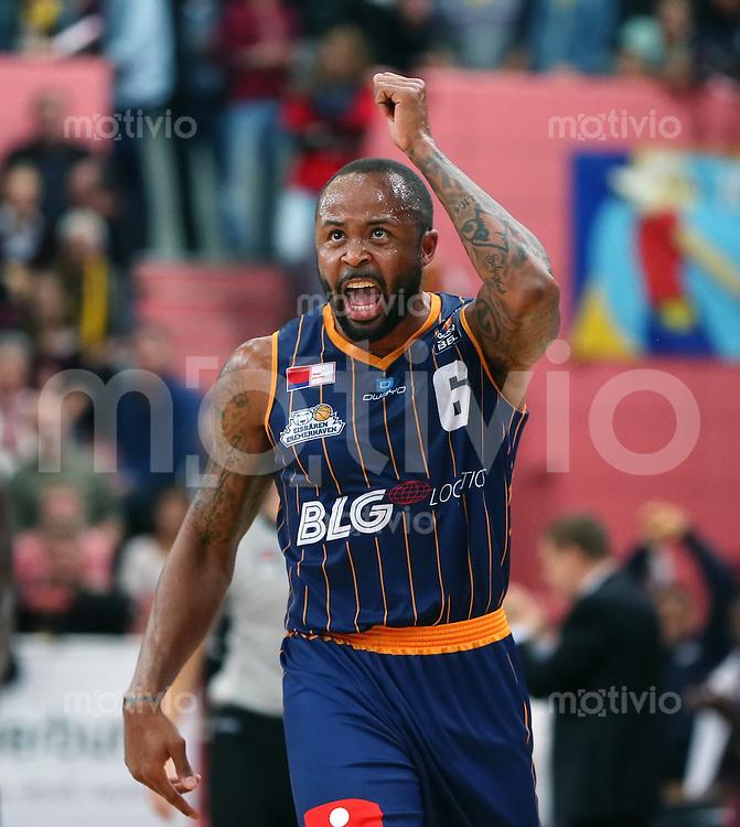 Basketball  1. Bundesliga  2015/2016  Hauptrunde  3. Spieltag  10.10.2015 Walter Tigers Tuebingen - Eisbaeren Bremerhaven JUBEL; Jerry Smith (Bremerhaven)