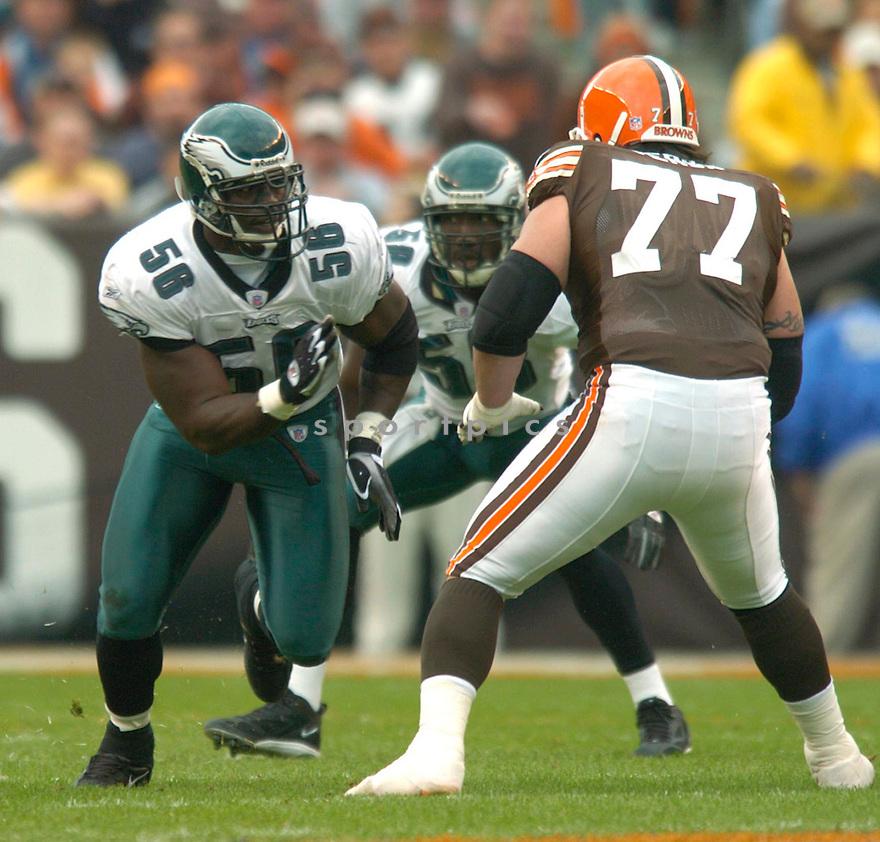 Derrick Burgess during the Philadelphia Eagles v. Cleveland Browns game on October 24, 2004...Eagles win 34-31..David Durochik / SportPics