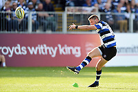 Rhys Priestland of Bath Rugby kicks for the posts. Aviva Premiership match, between Bath Rugby and Newcastle Falcons on September 23, 2017 at the Recreation Ground in Bath, England. Photo by: Patrick Khachfe / Onside Images