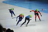SCHAATSEN: DORDRECHT: Sportboulevard, Korean Air ISU World Cup Finale, 12-02-2012, Final C 500m Ladies, Alyson Dudek USA (162), Annita van Doorn NED (145), Bianca Walter GER (121), ©foto: Martin de Jong