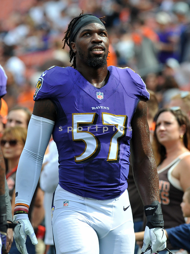 CLEVELAND, OH - JULY 18, 2016: Linebacker C.J. Mosley #57 of the Baltimore Ravens walks off the field prior to a game against the Cleveland Browns on July 18, 2016 at FirstEnergy Stadium in Cleveland, Ohio. Baltimore won 25-20. (Photo by: 2017 Nick Cammett/Diamond Images)  *** Local Caption *** C.J. Mosley (SPORTPICS)
