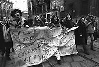 Milano: donne in manifestazione a favore della la legge sull' aborto e per l'autodeterminazione. 21 Genn 1978.<br /> Milan: women's demonstration in favor of the law on abortion.  Jan 21 1978