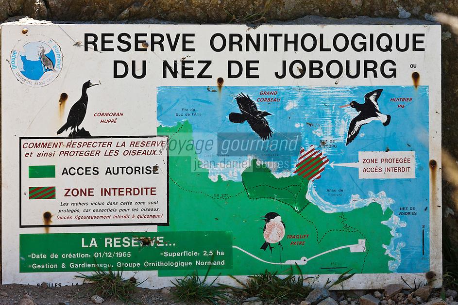 Europe/France/Normandie/Basse-Normandie/50/Manche/Presqu'île de la Hague - Panneau signalant la Réserve Ornithologique du Nez de Jobourg