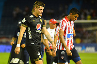 BARRANQUILLA - COLOMBIA .1-12-2019:Gabriel Fuentes   jugador del Atlético Junior y Michael Rangel jugador del América de Cali durante primer  partido por la final  de la Liga Águila II 2019 jugado en el estadio Metropolitano Roberto Meléndez de la ciudad de Barranquilla. /Gabriel Fuentes  player of Atletico Junior  and Michale Rangel player of America Cali   during the firts final match  of the Liga Aguila II 2019 played at the Metropolitano Roberto Melendez  Stadium in Barranquilla  city. Photo: VizzorImage / Alfonso Cervantes / Contribuidor/