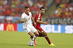 (L-R) Eduardo Vargas (CHI), Sergio Busquets (ESP), JUNE 18, 2014 - Football / Soccer : FIFA World Cup Brazil<br /> match between Spain and Chile at the Maracana Stadium in Rio de Janeiro, Brazil. (Photo by AFLO)