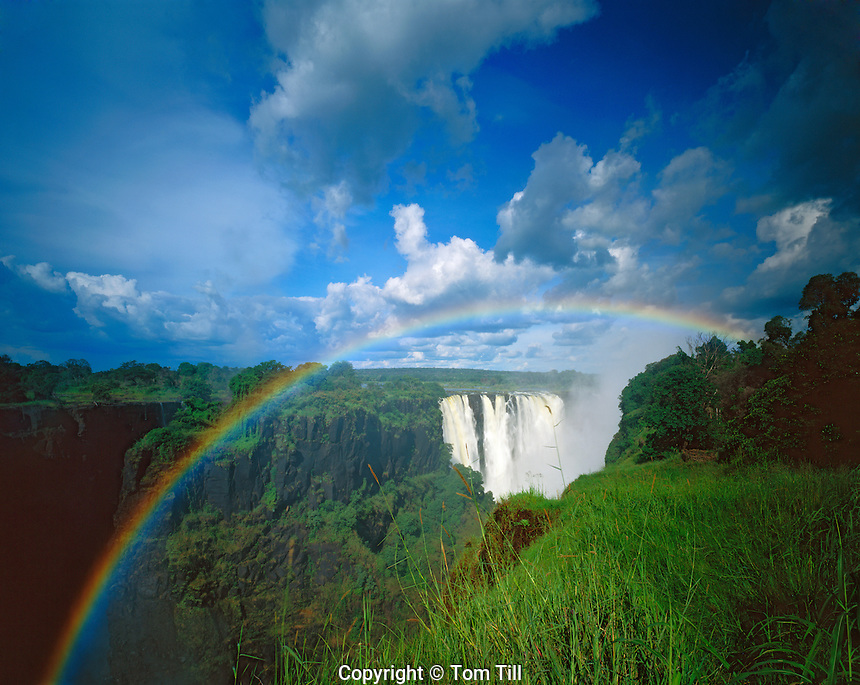 Rainbow at Main Falls, One of the World's Largest Waterfalls, Victoria Falls National Park, Zimbabwe, Africa