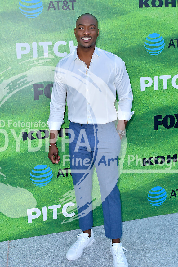 B.J. Britt bei der Premiere der FOX TV-Serie 'Pitch' auf dem West LA Little League Field. Los Angeles, 13.09.2016
