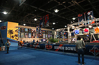 Innenraum des Media Center im Broward County Convention Center in Fort Lauderdale<br /> Super Bowl XLIV Media Day, Sun Life Stadium *** Local Caption *** Foto ist honorarpflichtig! zzgl. gesetzl. MwSt. Auf Anfrage in hoeherer Qualitaet/Aufloesung. Belegexemplar an: Marc Schueler, Alte Weinstrasse 1, 61352 Bad Homburg, Tel. +49 (0) 151 11 65 49 88, www.gameday-mediaservices.de. Email: marc.schueler@gameday-mediaservices.de, Bankverbindung: Volksbank Bergstrasse, Kto.: 52137306, BLZ: 50890000