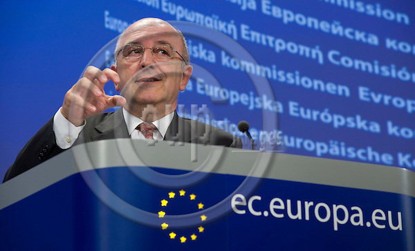 Brussels-Belgium - 23 September 2009 -- European Commissioner Joaquín (Joaquin) ALMUNIA, in charge of Economic and Monetary Affairs, during a press conference in the press room of the EC-Headquarters  -- Photo: Horst Wagner / eup-images
