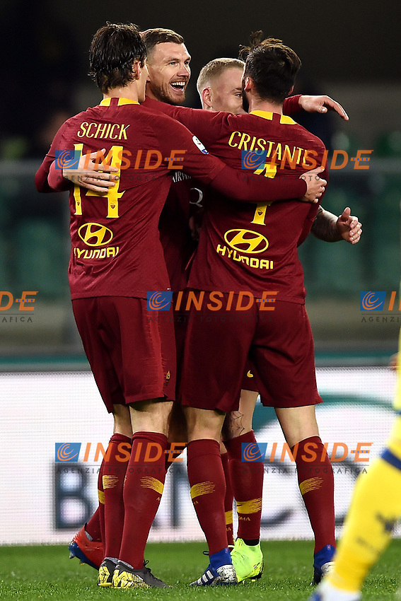 Edin Dzeko of AS Roma celebrates with team mates after scoring goal of 0-2 <br /> Verona 8-2-2019 Stadio Bentegodi Football Serie A 2018/2019 Chievo Verona - AS Roma <br /> Foto Andrea Staccioli / Insidefoto