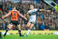 Picture by Allan McKenzie/SWpix.com - 07/10/2017 - Rugby League - Betfred Super League Grand Final - Castleford Tigers v Leeds Rhinos - Old Trafford, Manchester, England - Leeds's Danny McGuire kicks a drop goal to extend his side's lead over Castleford in the Super League Grand Final.