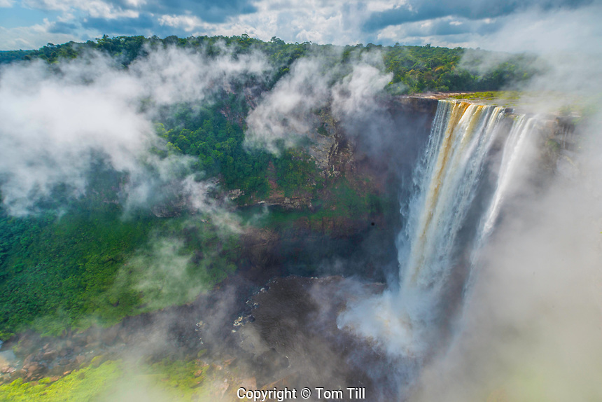 Kaieteur Falls, Kaieteur National Park, Guyana, Potato River, Combines huge volume of water    with 822 foot drop